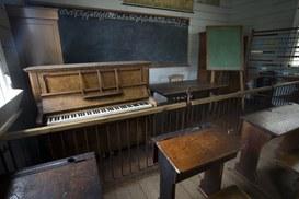 La scuola senza educazione e i rischi della scuola 2.0