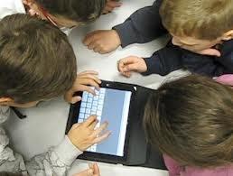 Profumo insiste e investe sulla scuola digitale