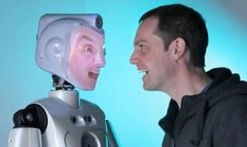 I robot del futuro con la faccia di amici e conoscenti