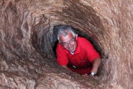 Esci dalla caverna panottica del muro delle facce e scopri il mondo al suo esterno