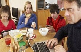 Bambini, dipendenze tecnologiche, interazioni sociali e tecnologia