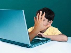 Non lasciare solo il bambino con videogiochi o altri strumenti  tecnologici