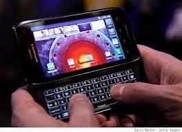 Motorola taglia ancora e si ri-focalizza